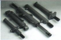 VERINS HYDRAULIQUES