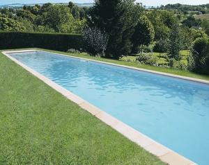 La piscine MONTE-CARLE