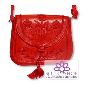 sac brodé en cuir rouge